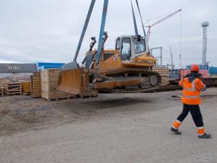 Unloading in Port Arkhangelsk (Left Bank)